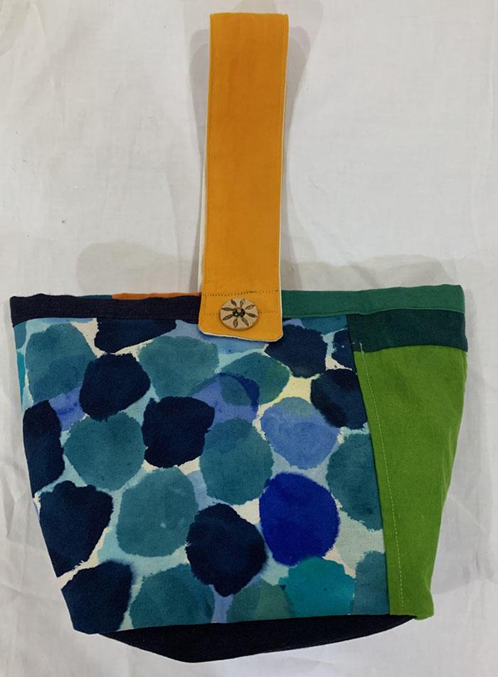 手描き染めパッチワークの帆布バッグ 木洩れ日<br>Hand-dyed Patchwork Canvas Bag-sunlight filtering through trees