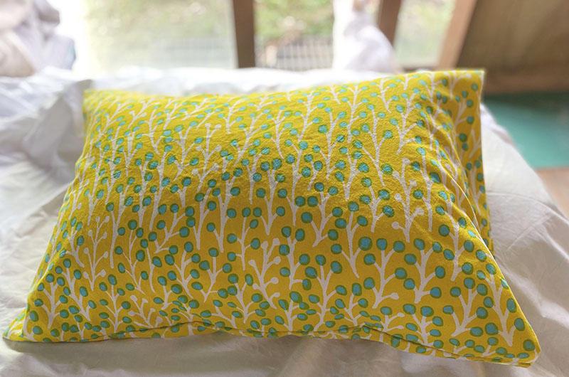 草の実 Yellowの枕カバー<br>Pillow case - kusanomi yellow