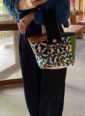 手描き染めパッチワークの帆布バッグ 木の実<br>Hand-dyed Patchwork Canvas Bag-berries