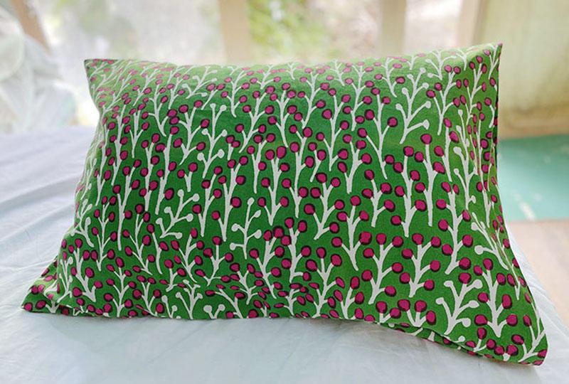 草の実グリーンの枕カバー<br>Pillow case - Green Grass Seeds