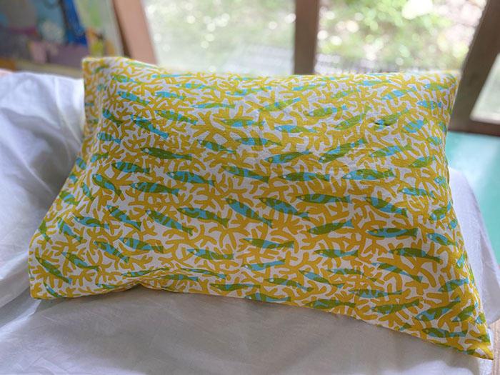 黄色いさんごとさかなの枕カバー<br>Pillow case - sangosakana yellow